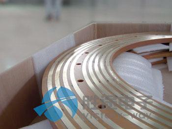 有两种锁合结构的盘式纸盒